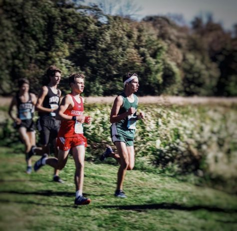 Frankie Bonnadio running to the finish line